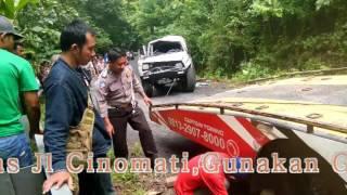 Download Video Kecelakaan Maut Mobil Terguling 3X di Jl Cinomati MP3 3GP MP4