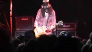 LAYN ROCKS CONCERT 11/22/09- wolfmother,Dave Navaro,and Slash