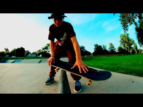 How To: Bs Feeble Grind with Ian Hass