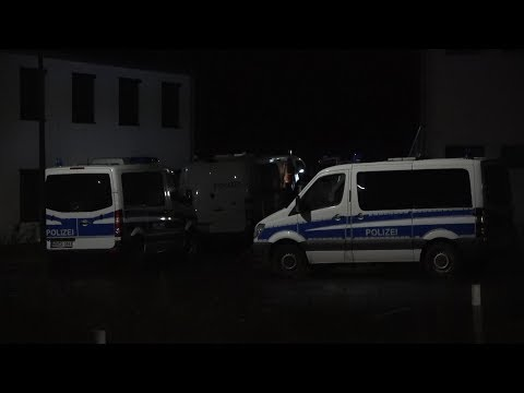 17-jährige tot in Flüchtlingsunterkunft gefunden in Sankt Augustin-Menden am 02.12.18 + O-Töne