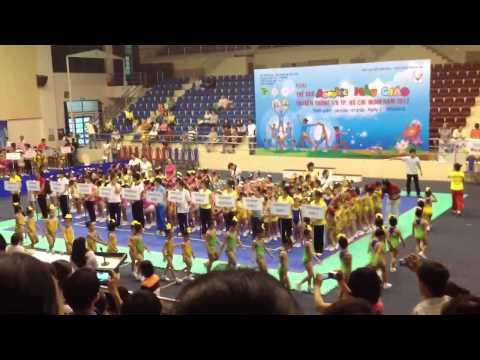 Diễu hành các trường mẫu giáo thi Aerobic 2012
