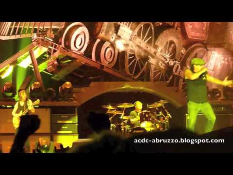 AC/DC HIGH VOLTAGE LIVE IN PERTH 2010 BON...
