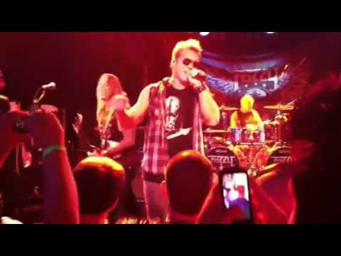 Fozzy ft M.Shadow: Sandpaper live 9-27-2012
