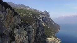 Lago Di Garda - Gardasee  - Lake Garda  - Italia - von Oben - Rundflug DJI Drone 4K Footage
