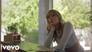 Смотреть клип Gretta Ray - Bigger Than Me