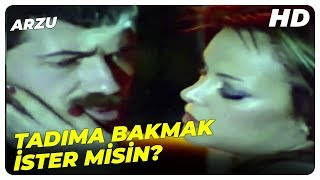 Arzu Türk Filmi - Burada Olmaz Yatak Odama Geçelim  Arzu Okay Eski Türk Filmi