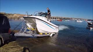 CHEETAH MARINE Catamaran 6.9M launch and retrieve.