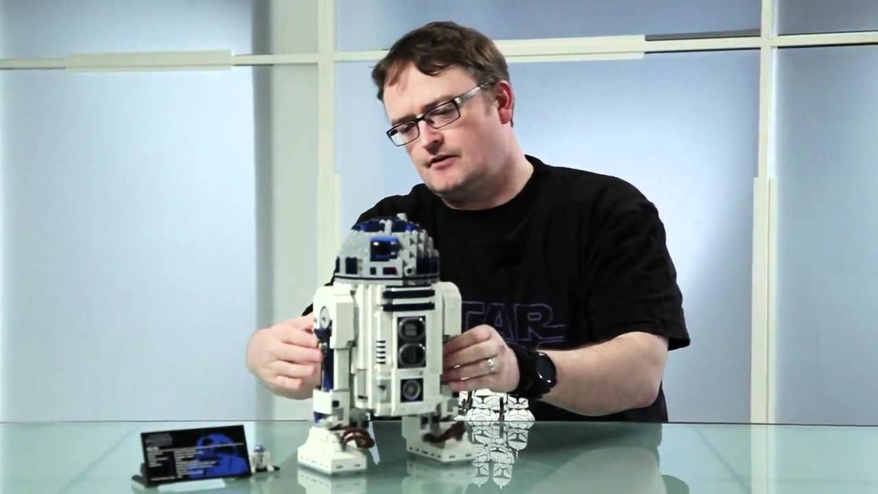 LEGO Star Wars 10225- Ultimate Collector's Series (UCS) R2-D2 | Official  Video! - YouTube