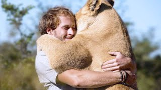 15 Most Heartwarming Animal Reunions with Owners