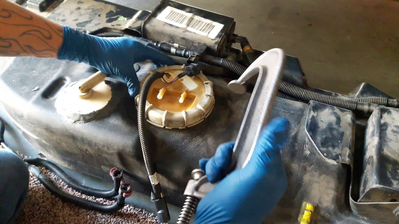 02 03 Ford Explorer Fuel Pump Lock Ring Removal Youtube 2003 Filter Location