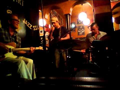Randy Bernsen - Julius Pastorius - Tomás Merlo   B.P.M Trio