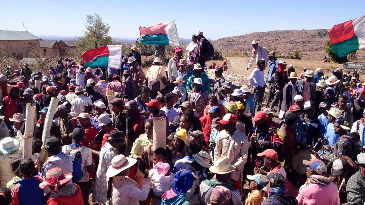 Fomba Malagasy: Famadihana 2016 Amboanana - YouTube