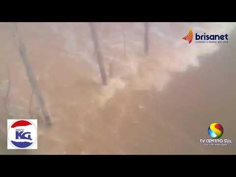 Cheia no Riacho São Pedro em Jucás