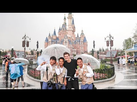 BRAD GOES TO CHINA! Hong Kong, Beijing, & Shanghai Disneyland