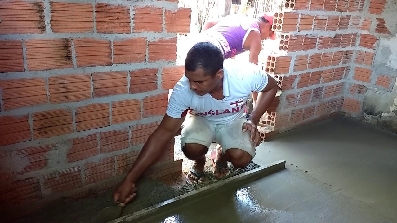 Finalizando o piso da casa do papai
