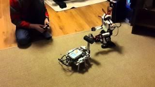 Битва роботов Mindstorms.