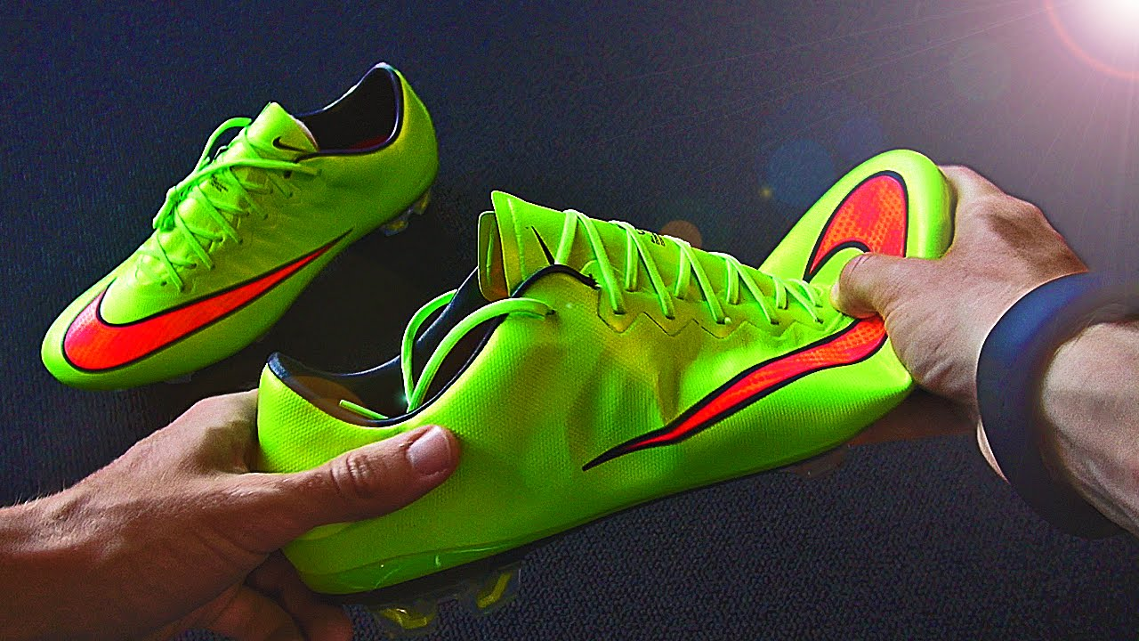 2014 15 Ibrahimovic Boots  Nike Vapor X Unboxing by freekickerz - YouTube 6748d355c