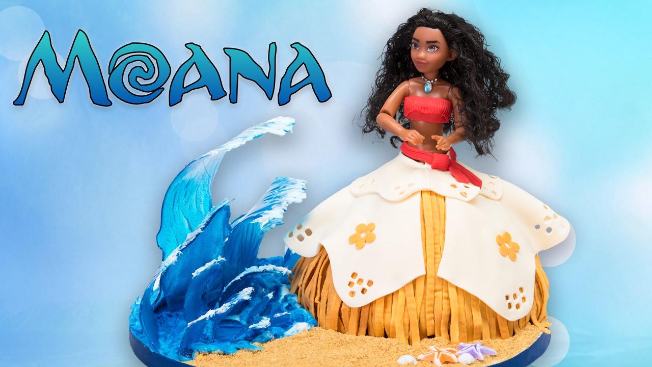 Moana Doll Cake W Isomalt Sugar Waves Disney Cake
