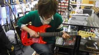 """奈良市のギターショップ""""Sunshine Guitar""""のギター講師:林幸司氏の試奏..."""