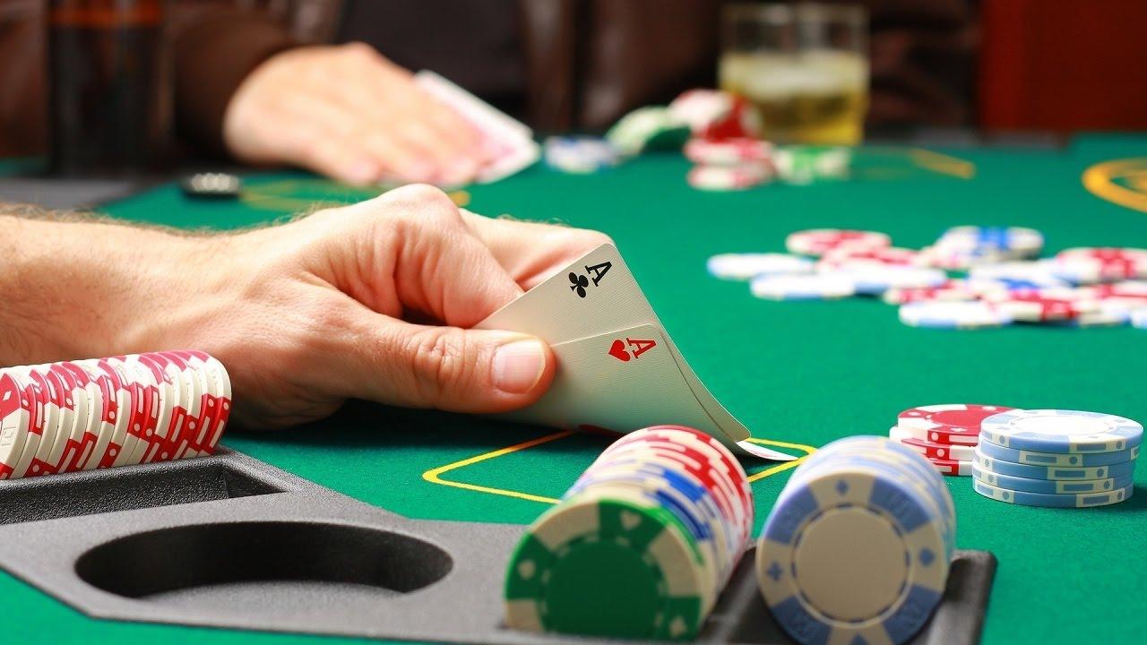 с бесплатно онлайн играть покер обучением