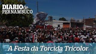 Torcida e jogadores do Santa Cruz fazem a festa no Recife
