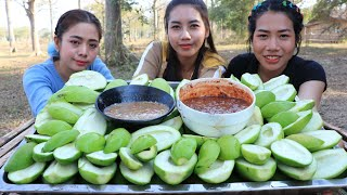 Yummy mango with shrimp paste cooking and eating