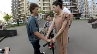 Яжемать украла самокат в скейт парке #яжемать