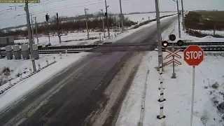 ДТП, ФУРА и 2 поезда!(В Казахстане фуру протаранили сразу два поезда. ВИДЕО с ж/д переезда. В Казахстане на регулируемом железнод..., 2014-11-23T13:55:14.000Z)