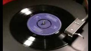 The SINGING POSTMAN Hev Yew Gotta Loight Boy 1964