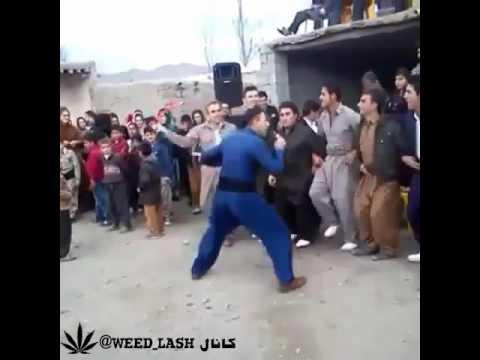 رقص کردی فوق العاده thumbnail