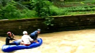 Petrusse Paddled - Luxembourg whitewater rafting ;o)