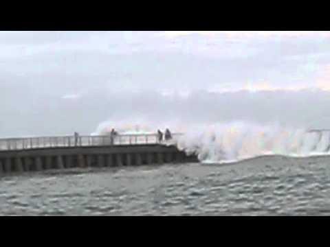 Hurricane Irene Wave that swept 8 people down. Boynton Beach Inlet