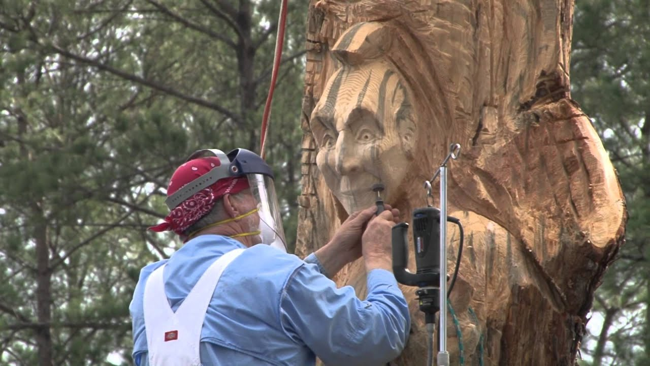 Carving of the Tree at Big Pines Lodge on Caddo Lake - YouTube
