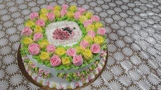 Тортик с маленькими розочками