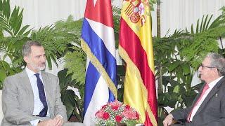 """Publican la foto de la """"visita de cortesía"""" del Rey a Raúl Castro"""