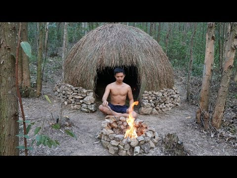 20 Days Survival Challenge In A Rain Forest By Primitive Skills