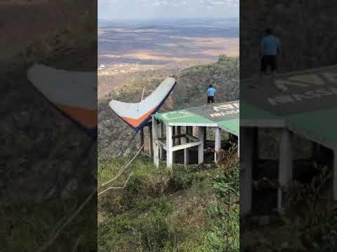 PILOTO DE ASA DELTA SOFRE ACIDENTE NA RAMPA DO PEPÊ EM TAQUARITINGA DO NORTE - PE