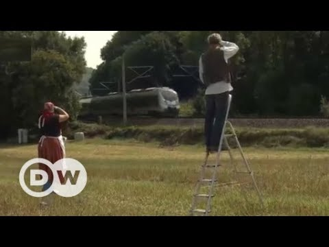 Art project for train passengers | DW English