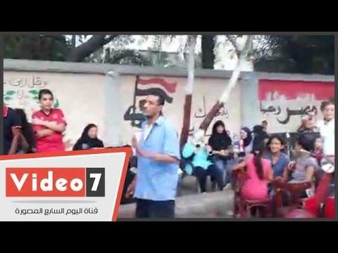 بالفيديو.. رجل يرقص بطريقة غريبة أمام أحدى اللجان بالجيزة thumbnail