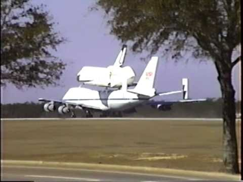 Space Shuttle Pays a Visit to Eglin AFB
