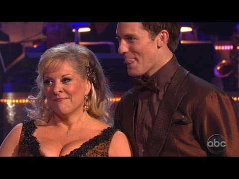 'Dancing With the Stars' Week 2: Nancy Grace's Wardrobe Malfunction; Top, Worst Performances