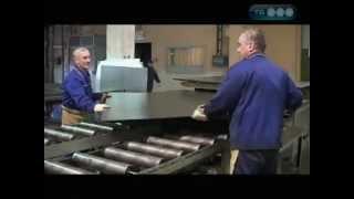 Производство входных металлических дверей(Одной из тем очередного выпуска программы «Как это сделано» на канале ТВ3 стало производство входных метал..., 2013-04-08T10:23:31.000Z)