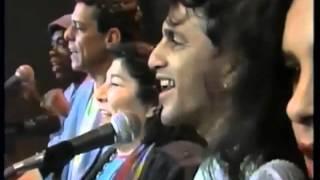 Mercedes Sosa, Chico Buarque, Caetano Veloso, Milton Nascimento e Gal Costa - Volver a los 17 YouTube Videos