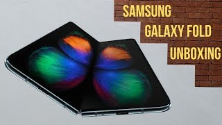 Samsung Galaxy Fold - Unboxing and First Look