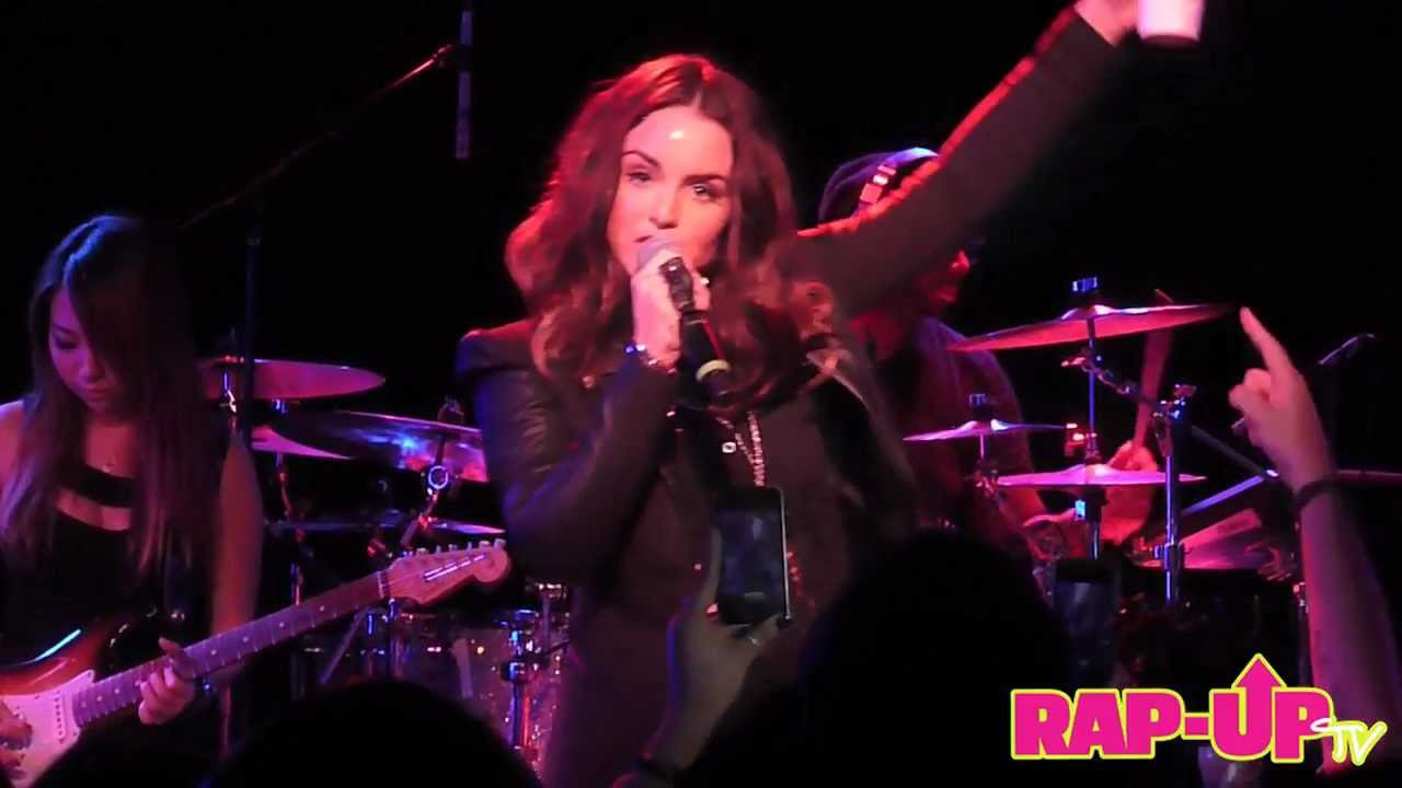 JoJo Performs 'Marvin's Room (Remix)' Live at The Roxy in ...
