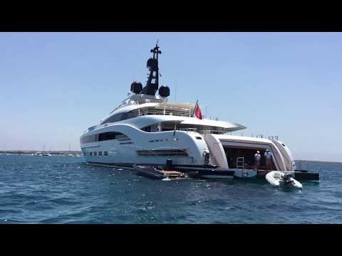 Mega Yachts YALLA by CRN