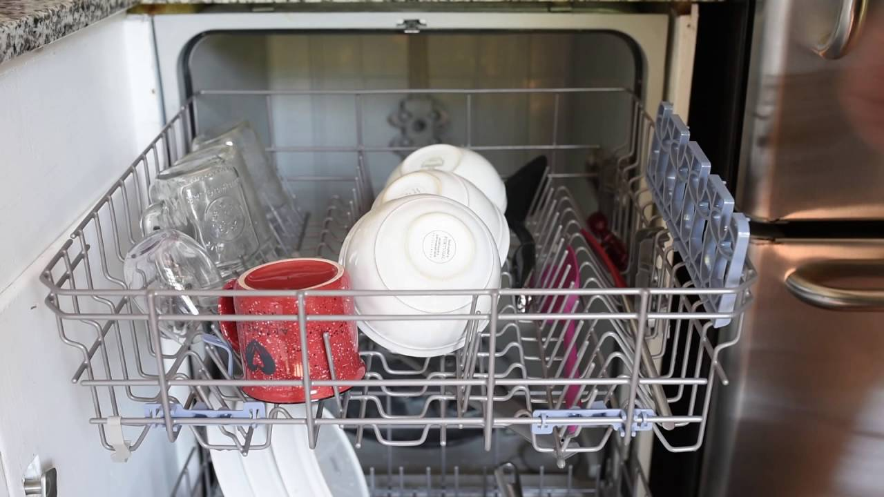 How to load the dishes in the dishwasher: how to use the dishwasher 29