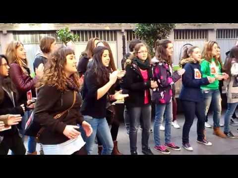 Coro canta en Santutxu.Escuela de música Bilbao