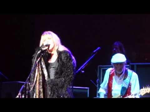 Fleetwood Mac - Rhiannon (Melbourne, 02.11.2015)