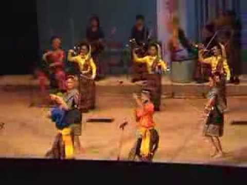 มหาวิทยาลัยราชภัฏนครราชสีมาเผยแพร่วัฒนธรรมไทย ณ ประเทศยูเครน UKRAINE 2004